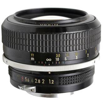 Objetiva Nikon MF 55mm F/1.2 - Usada