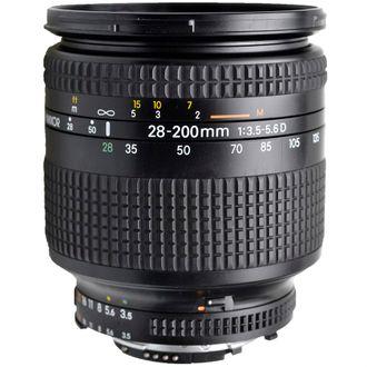 Objetiva Nikon AF 28-200mm F/3.5-5.6D - Usada
